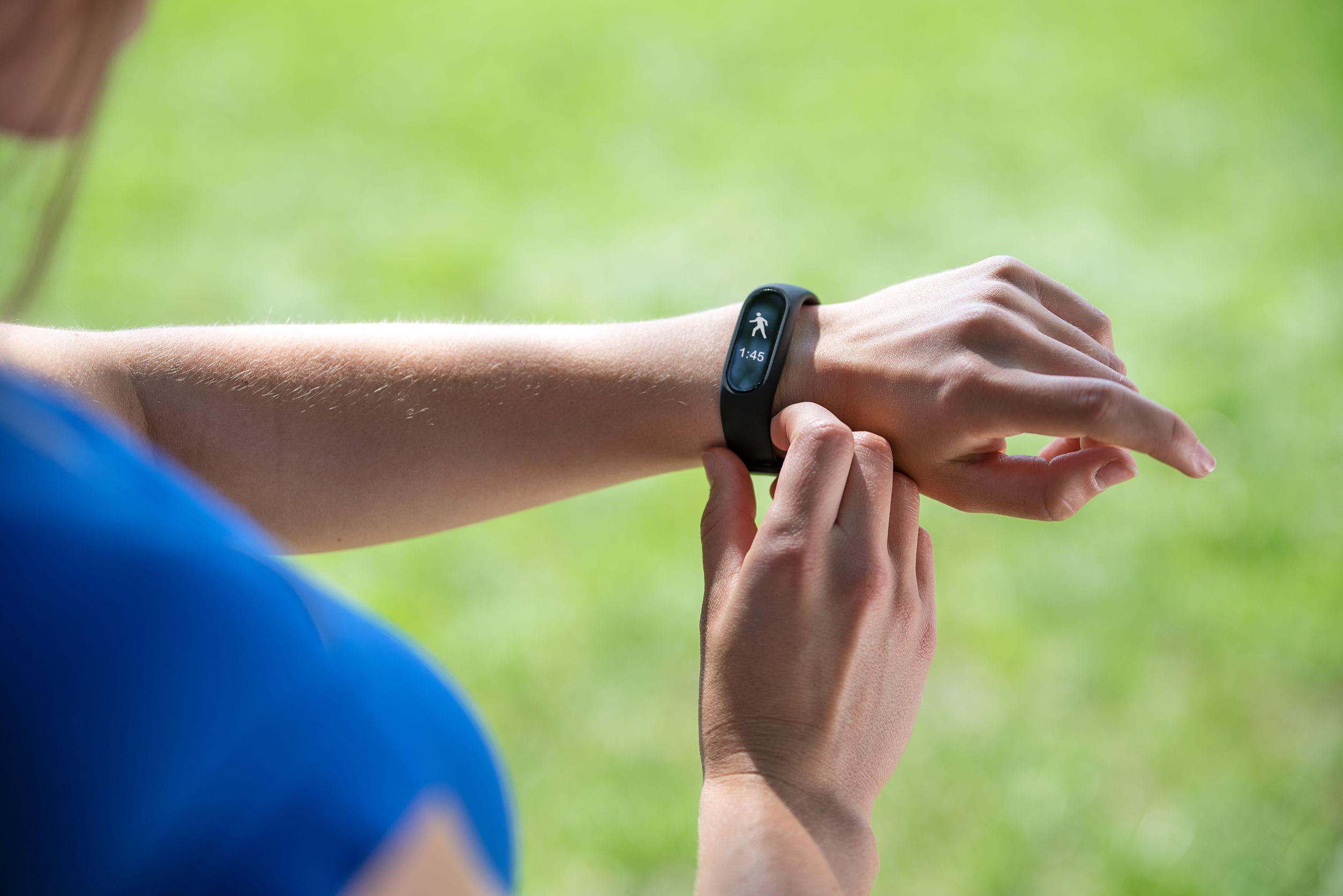 Medion Fitness Armband: Test & Empfehlungen (08/20)